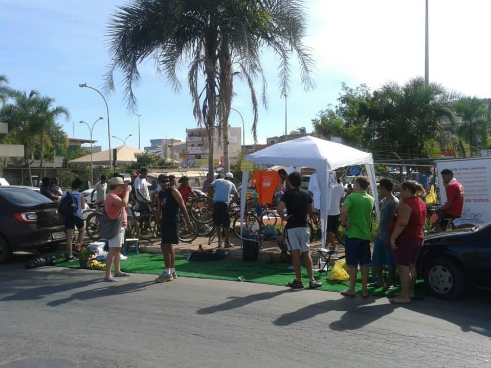 Vaga Viva e Doe Bike movimentam a Feira da Estrutural