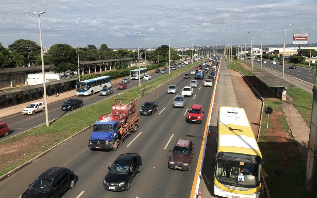 GDF libera faixa de ônibus para carros na EPTG